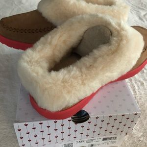 UGG Shoes - Ugg Girl's I ❤️ Slippers Stripe Size 5 NEW